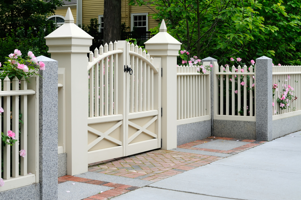 Front Gate to House